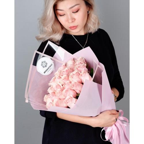 Купить на заказ Букет из 25 розовых роз с доставкой в Ушарале