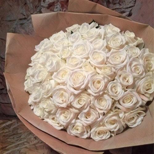 Купить на заказ Букет из 101 белой розы с доставкой в Ушарале